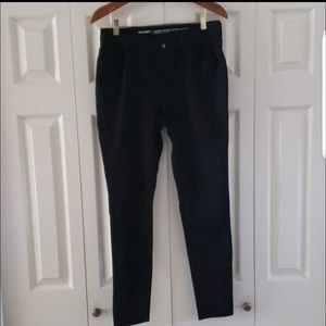 Old Navy Mid-rise Black Skinny Jeans Size 8